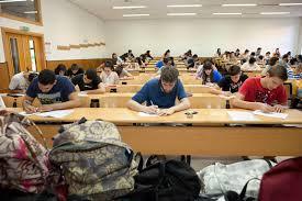 ¿Por qué no se confía en la evaluación de los docentes si casi todo el alumnado aprueba selectividad?