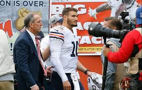 Bears quarterback Mitchell Trubisky has dislocated shoulder, but ...