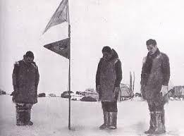 「1957年 - 日本の第一次南極予備観測隊が南極のオングル島に上陸。昭和基地と命名。」の画像検索結果
