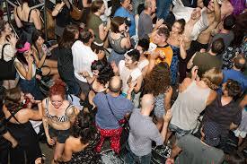 Best Hookup Bars in <b>NYC</b> to Meet People