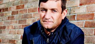 Notable as the front-man of the successful Beautiful South and the Housemartins, Paul Heaton has released his third solo record this week titled Acid ... - PaulHeatonAcidCountry