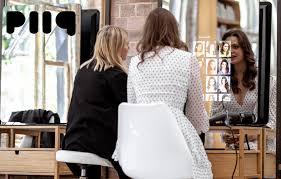 piiq Digital: Bringing smart <b>mirrors</b> to <b>hair salons</b> - Visage ...