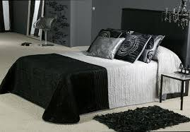 teen boys bedroom done in black and white simple clutter free accessoriespretty black white silver bedroom ideas