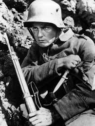 first world war inspired innovative art world war i actor lew ayres performed the role of paul baumera in the 1930 war movie all