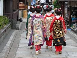 japanese culture new vs old the geisha are considered living custodians of japanese culture and one of the known symbols of japan in essence they are performing artists