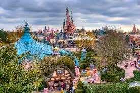 DisneyLand Images?q=tbn:ANd9GcSONDI_FhsdXL5yXJnowvHtT8ByVhTCHpnCJVSO79-C8dWyRBc0