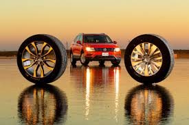 Что выбрать: 17- или <b>19</b>-<b>дюймовые</b> летние шины? Наш супертест