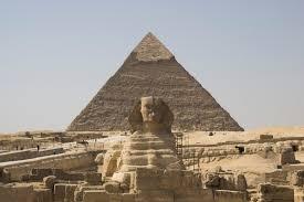 photo essay sphinx and pyramid in giza