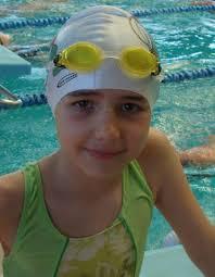 Gran posta de Carmen Ros en el 4x100 libres. Recién finalizada esta jornada de tarde del sábado, los nadadores del Real Club Náutico de Motril han ... - carmen
