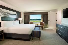 view bedroom suite full