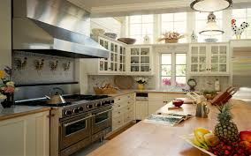 Cottage Style Kitchen Tables Tremendous U Shaped Cottage Style Kitchen With White Wall Cabinets