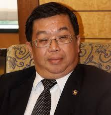 Tan Kok Wai (umur 56) — lahir 1957 iaitu tahun yang mana beratus ribu orang nenek moyang si Dapster diberi kerakyatan Malaya - tan-kok-wai