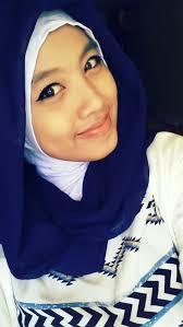 buatku memakai jilbab cukup yang sederhana saja, karena sesungguhnya wanita indah dalam kesederhanaan^_^ - b63142018899429abba8be24d53ff5c1