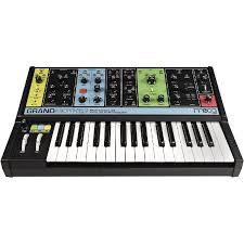 Moog Grandmother, купить <b>синтезатор Moog Grandmother</b>