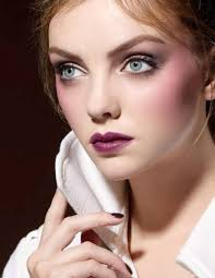 Today at www.iswii.net I saw promo photos of the new NARS Lolita collection for Fall 2009! You can find some purple shades as in Diors Juzzclub Fall 2009 ... - nars-fall