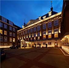 petra hulst lighting designer at philips lighting added that the main purpose of our lighting design here is to maintain the hotels tranquill building facade lighting