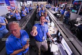 """Résultat de recherche d'images pour """"Soulagement au JPL après l'arrivée de Curiosity sur Mars"""""""