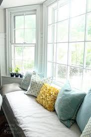 vertical window_seat pillows bay window seat