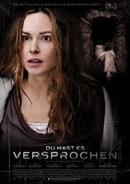 Der Mystery-Thriller von Debüt-Regisseurin Alex Schmidt feierte als einziger, deutscher Beitrag auf den diesjährigen Filmfestspielen in ... - cover_du_hast_es_versprochen