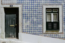 A Brief History of <b>Portugal's</b> Beautiful Azulejo <b>Tiles</b>