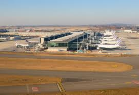 Charles de Gaulle airport 'evacuated' over suspicious package