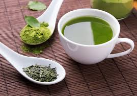 Is <b>Matcha</b> or <b>Green Tea</b> Better For Weight Loss? Breaking Down The ...