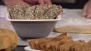 Knäckebröd med fikon och anis | SVT recept