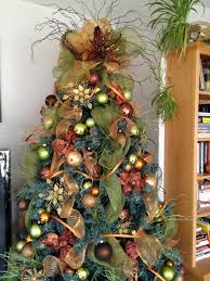 5 Inspirational Christmas tree ideas to die for