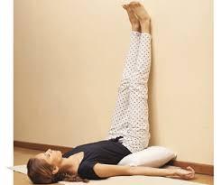 Resultado de imagen para descomprimir el cuello ejercicios de yoga