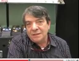 ... può capitare, ad esempio che nello spazio Incubatore, tra i nuovi, piccoli editori, si possa parlare con il regista, scrittore e poeta Silvano Agosti in ... - silvano%2520agosti