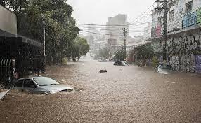 Resultado de imagem para fotos da forte chuva em porto  alegre