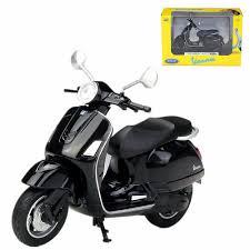 Модель <b>мотоцикла Welly 1:18</b> Yamaha Vino YJ50R, модель ...