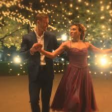 Netflix - The Umbrella Academy | Dancing <b>In The Moonlight</b> | Netflix ...