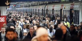 """Résultat de recherche d'images pour """"train de banlieue bondé gare du nord"""""""