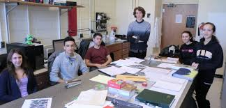 students dr steven j rehse university of windsor six students are currently working in the rehse lab for the 2016 2017 academic year from left m sc student allie paulick second year outstanding scholar