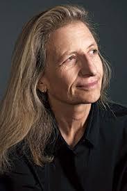 Annie Leibovitz detesta sin lugar a dudas lo que una vida de logros significa para ella ahora que los mejores días de sus 40 años de profesión quedan atrás. - leibovitz