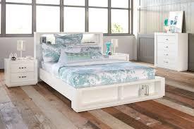 white lacquered furniture white lacquer bedroom furniture bedroom medium distressed white bedroom furniture vinyl