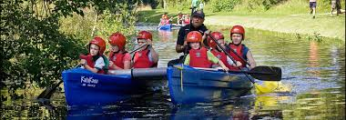 work and have fun us scottish waterways trust we offer a wide variety of exciting and challenging jobs which include roles in our community based programmes head office positions