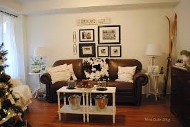 feminine coffee table decor