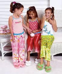 صور اجمل لباس للبنات images?q=tbn:ANd9GcS