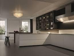 kitchen island integrated handles arthena varenna: lacquered kitchen with integrated handles with peninsula trail varenna by poliform