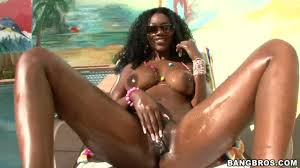 Amazing ebony Nyomi Banxxx gives erotic show and hard masturbation. Amazing ebony Nyomi Banxxx gives erotic show and hard masturbation pornado.co