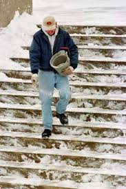 How to Melt Snow on Concrete Steps