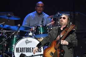 <b>Tom Petty's Heartbreakers</b> Have Discussed Reunion Possibility
