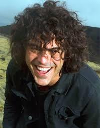Francesco Renga, nato a Udine il 12 giugno 1968, ha coltivato fin da piccolo la passione per il canto, forgiando e perfezionando sempre di più quella voce ... - Francesco_Renga