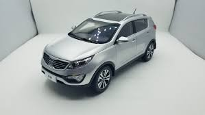 1:18 <b>Модель</b> литья под давлением для <b>Kia Sportage</b> R 2011 ...
