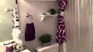 small bathroom decorating tight