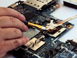 sua laptop uy tin tphcm 03