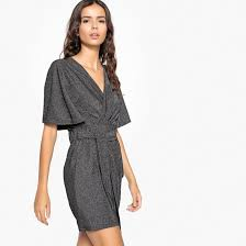 <b>Платье</b> короткое <b>прямое</b>, с короткими рукавами серебристый <b>La</b> ...