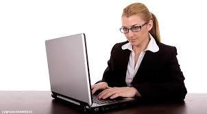 Hasil gambar untuk orang memakai laptop
